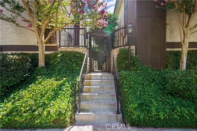 11622 Moorpark Street 4, Studio City, CA 91602