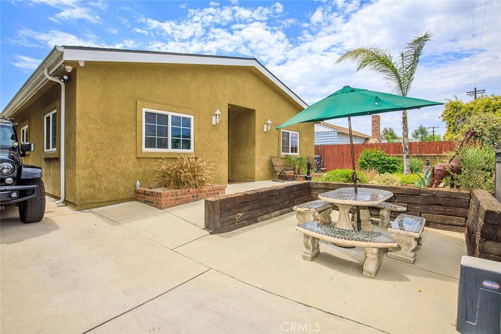 Photo of 5647 Wilbur Avenue, Tarzana, CA 91356