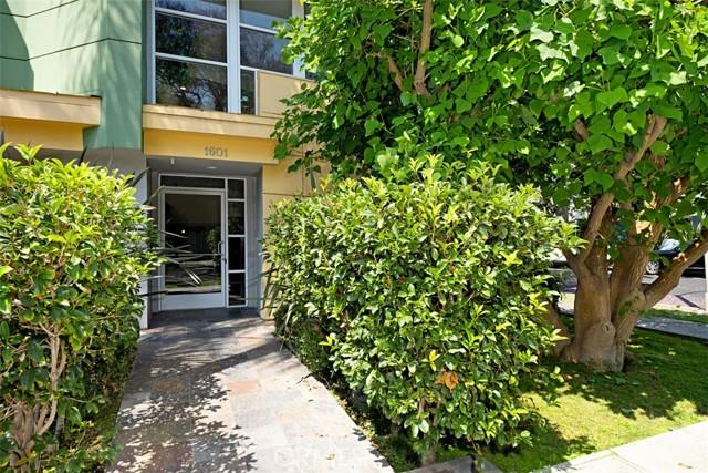 27. 1601 S Bentley Avenue #201 Los Angeles, CA 90025