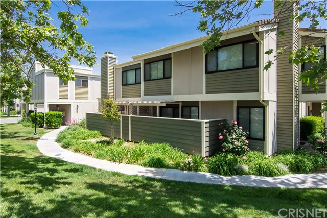 27116 Crossglade Avenue 3, Canyon Country, CA 91351