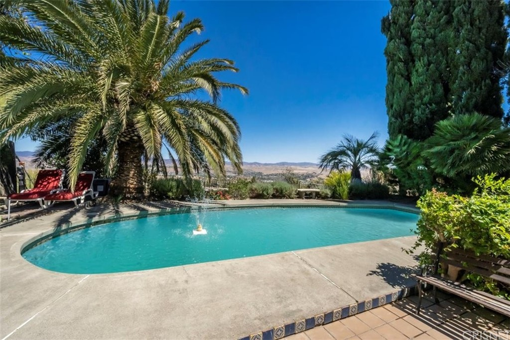 19701     Green Mountain Drive, Newhall CA 91321