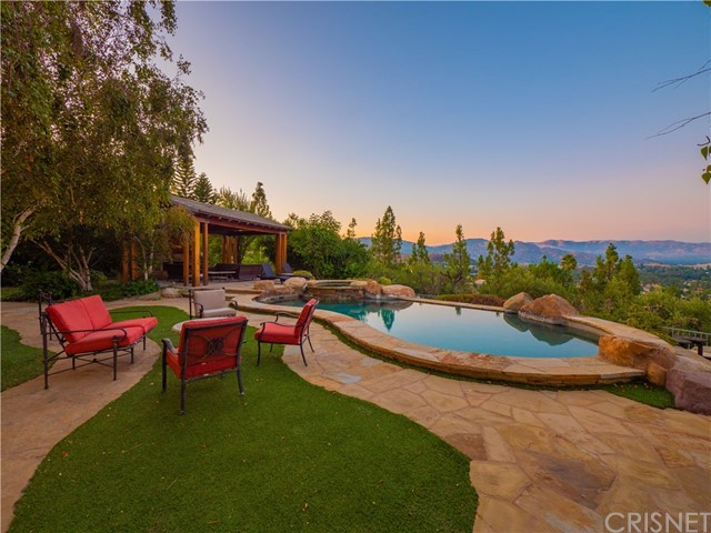 Photo of 7422 Cliffside Court, West Hills, CA 91307