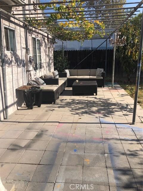17610 Runnymede Street, Van Nuys, CA 91406