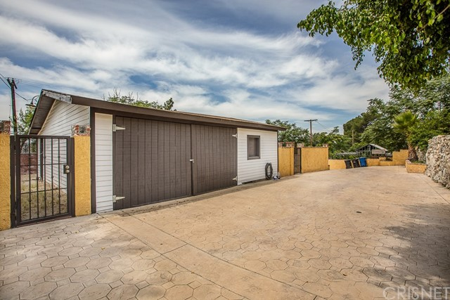 9707 Foothill Bl, Lakeview Terrace, CA 91342 Photo 24