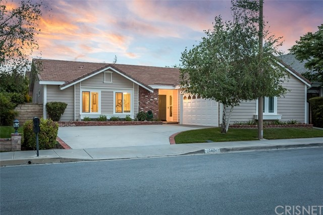 26068 Bella Santa Drive, Valencia, CA 91355
