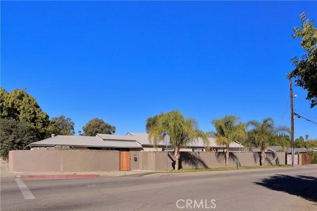 5611 Woodlake Avenue, Woodland Hills, CA 91367