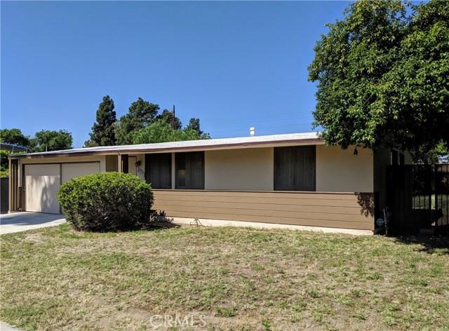 8717 Costello Avenue, Panorama City, CA 91402