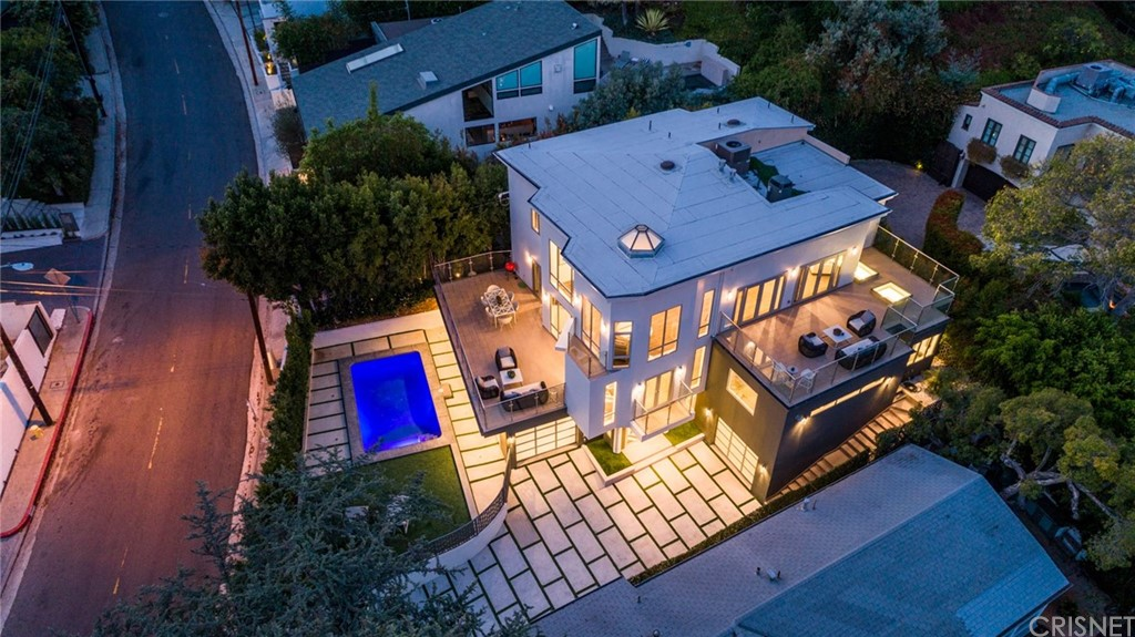Photo of 1432 NORTH KINGS ROAD, Hollywood Hills, CA 90069