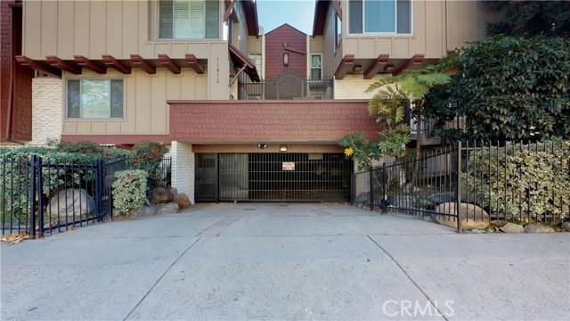 11912 Riverside Drive 2, Valley Village, CA 91607