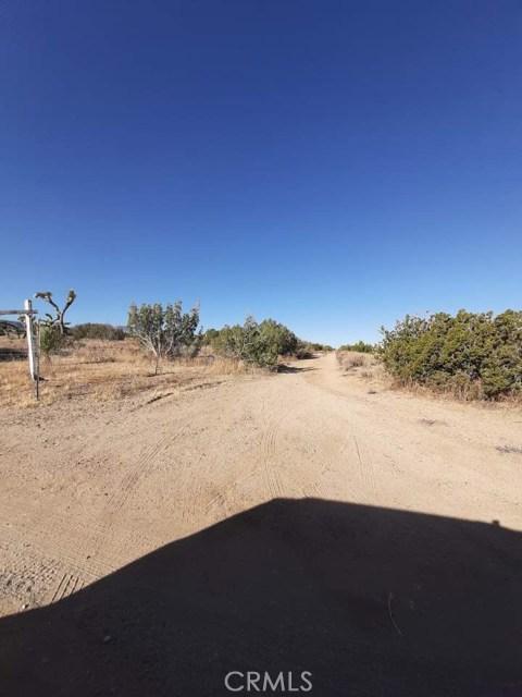 208 Vac/Ave Y8 Drt /208, Llano, CA 93544