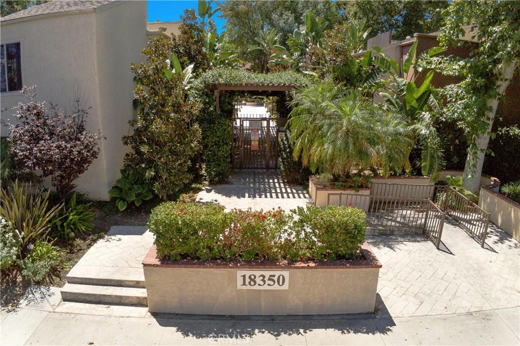 Photo of 18350 HATTERAS Street #110, Tarzana, CA 91356