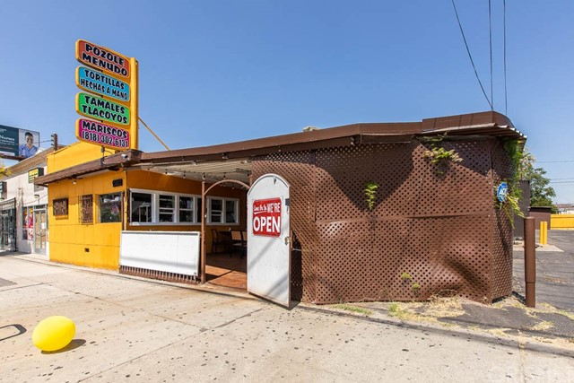 13355 Van Nuys Boulevard, Pacoima, CA 91331