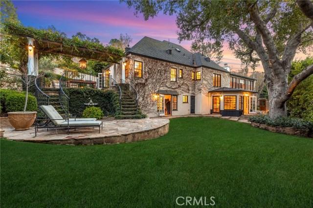 14377 Millbrook Drive, Sherman Oaks, CA 91423