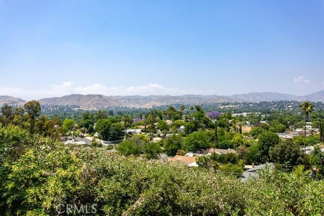 23441 Bessemer Street, Woodland Hills, CA 91367