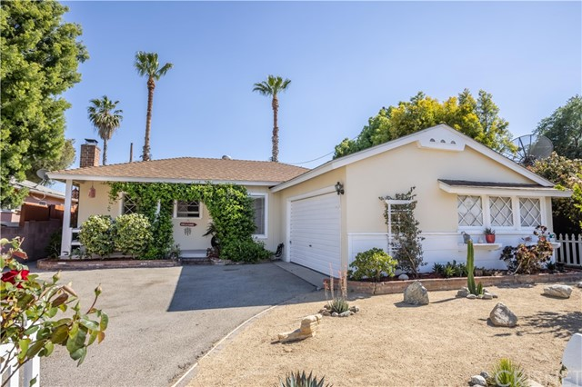 19114 Hart, Reseda, CA 91335 Photo