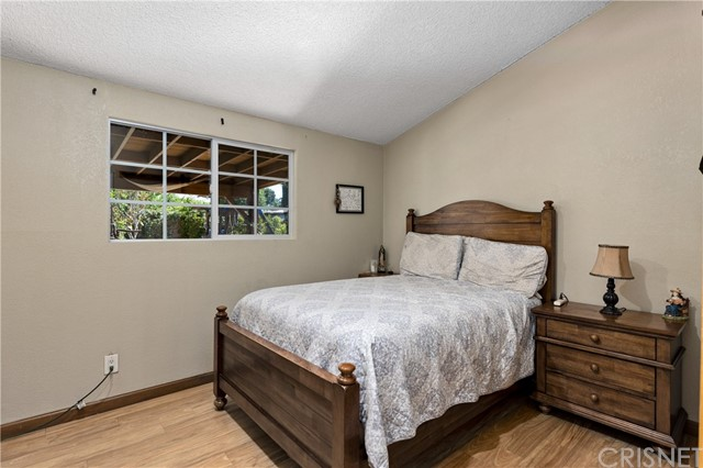 10. 19322 Lonerock Street Canyon Country, CA 91351
