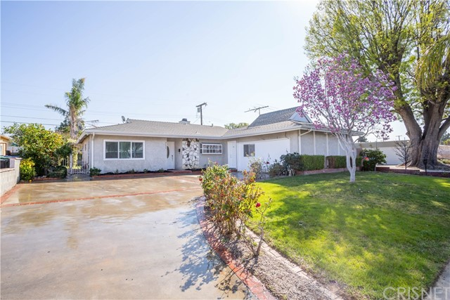 9652 Delco Avenue, Chatsworth, CA 91311