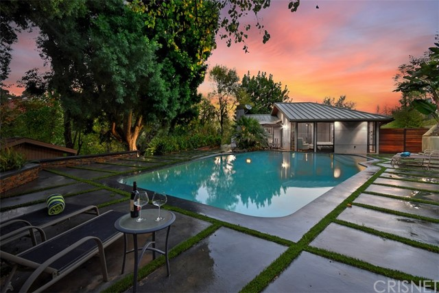 Photo of 3217 Oakley Drive, Hollywood Hills, CA 90068