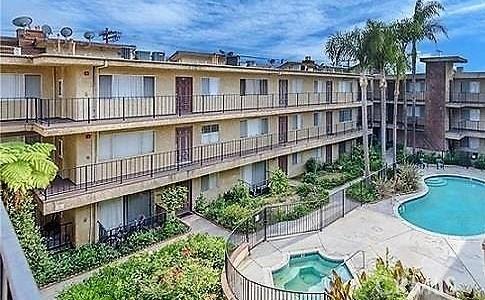 8505 Columbus Avenue 306, North Hills, CA 91343