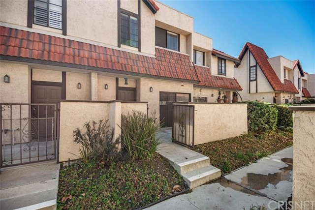 27659 Ironstone Drive 3, Canyon Country, CA 91387