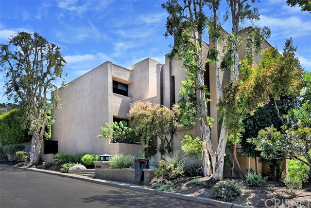3835 Alomar Drive, Sherman Oaks, CA 91423