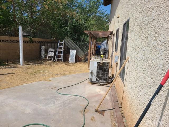 20. 37504 Oak Hill Street Palmdale, CA 93552