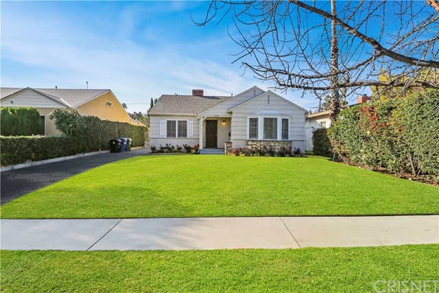 5735 Beck Avenue, North Hollywood, CA 91601