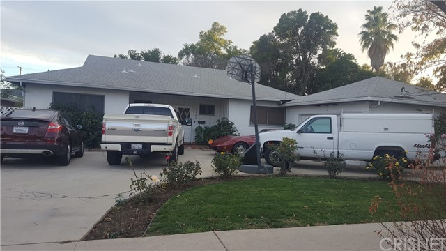 15942 Vose Street, Lake Balboa, CA 91406
