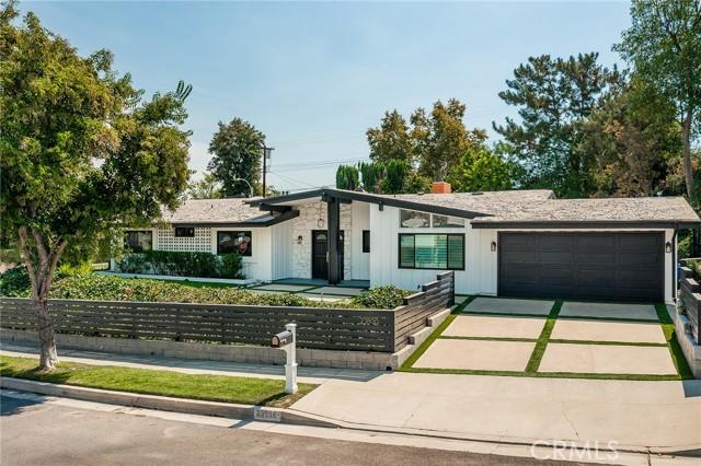 Photo of 23800 Albers Street, Woodland Hills, CA 91367