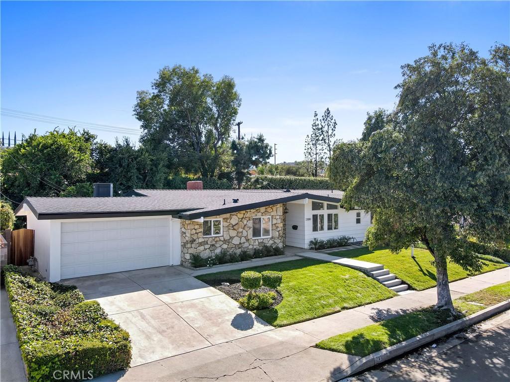 23010     Brenford Street, Woodland Hills CA 91364
