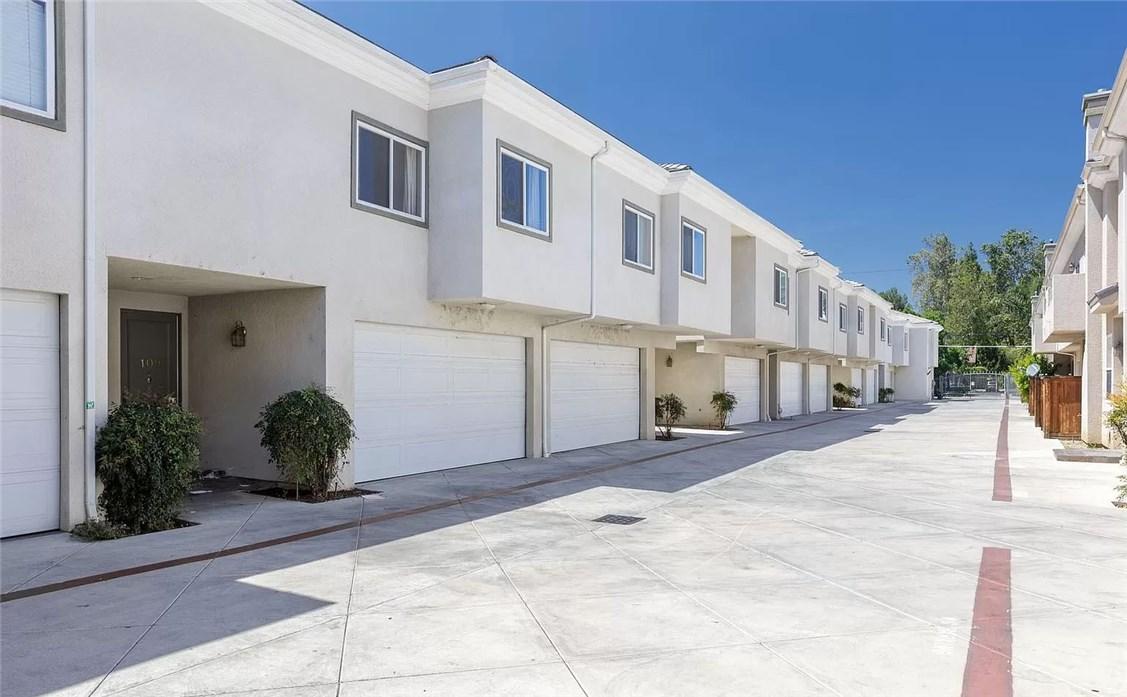 7124 Farralone Avenue 109, Canoga Park, CA 91303