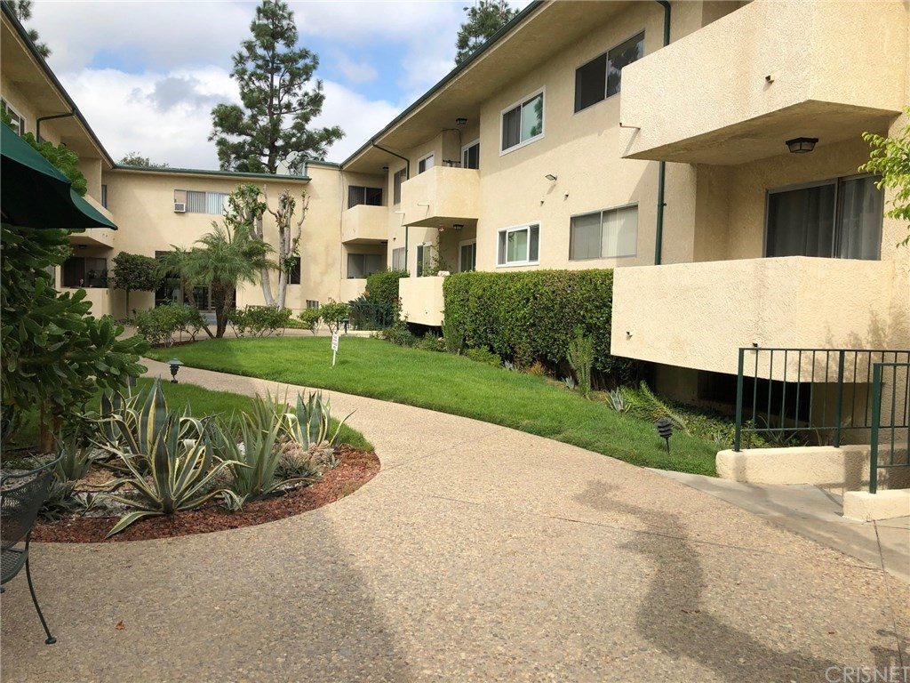 Photo of 5328 NEWCASTLE AVENUE #41, Encino, CA 91316