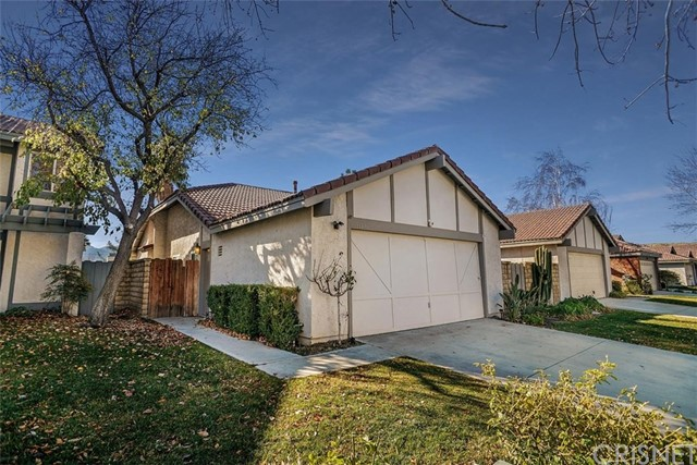 15820 Ada Street, Canyon Country, CA 91387