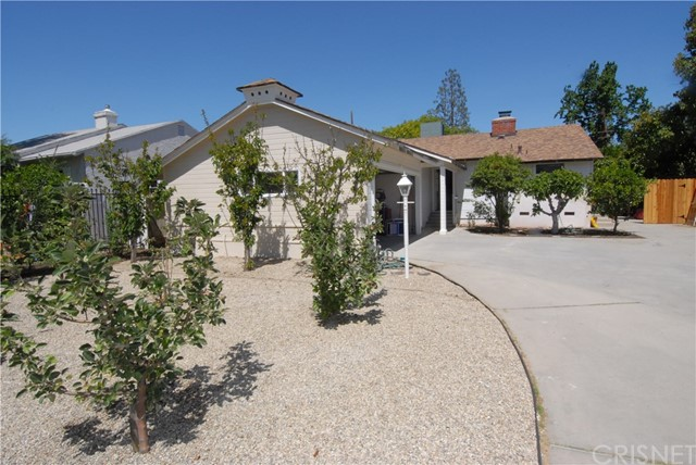 13833 HAMLIN Street, Valley Glen, CA 91401