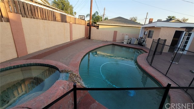 10622 Lev Av, Mission Hills (San Fernando), CA 91345 Photo 4