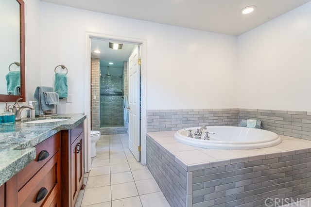 8981 White Oak Av, Sherwood Forest, CA 91325 Photo 27