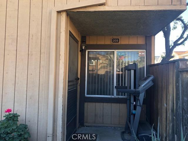 8435 Burnet Avenue 203, North Hills, CA 91343