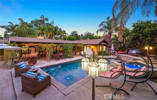 5511 Fenwood Avenue Woodland Hills, CA 91367