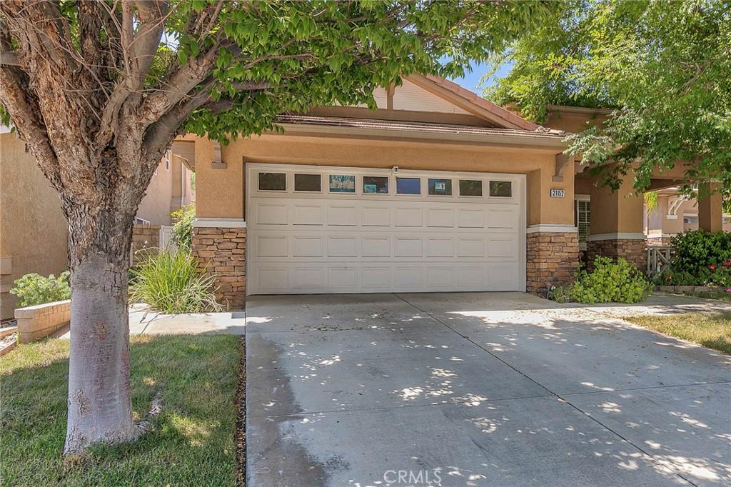 21152     Cross Creek Drive, Saugus CA 91350