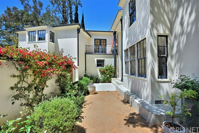 11661 Duque Drive, Studio City, CA 91604