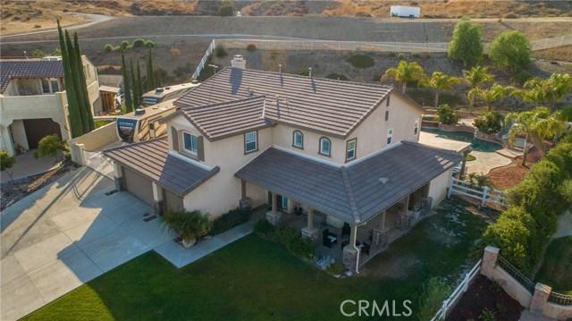 30015 Valley Glen St, Castaic, CA 91384 Photo 2