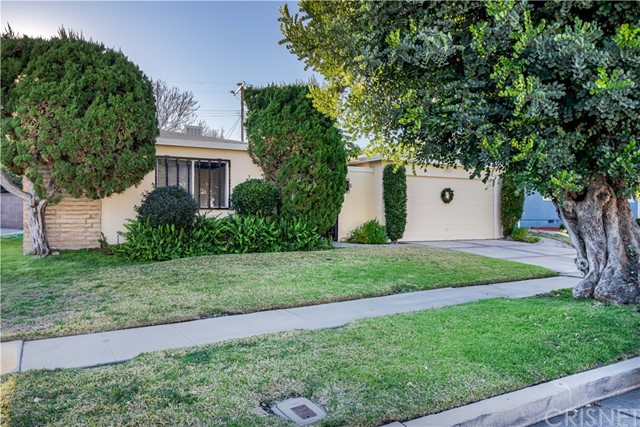 Photo of 8181 Mammoth Avenue, Panorama City, CA 91402
