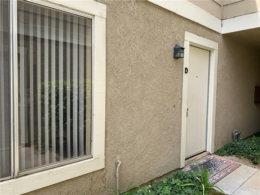 31361     The Old Road   D, Castaic CA 91384