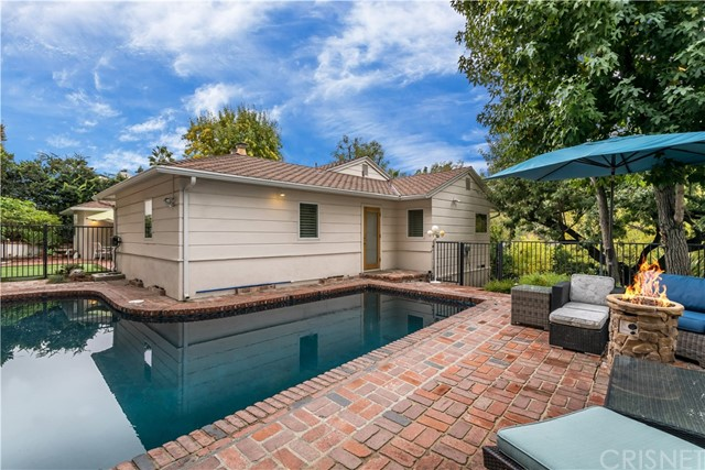 15461 Del Gado Drive, Sherman Oaks, CA 91403
