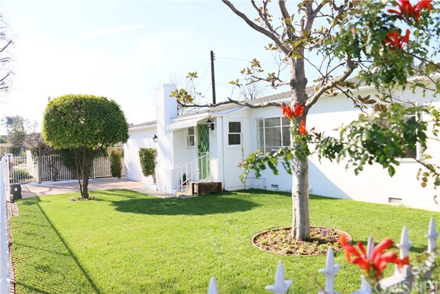 6615 Ampere Avenue, North Hollywood, CA 91606