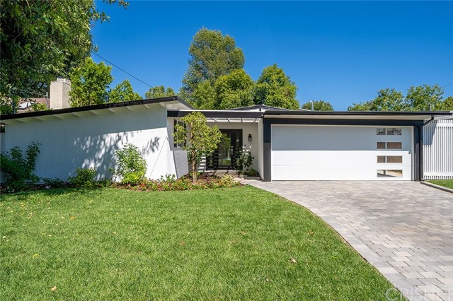 5436 Royer Avenue, Woodland Hills, CA 91367