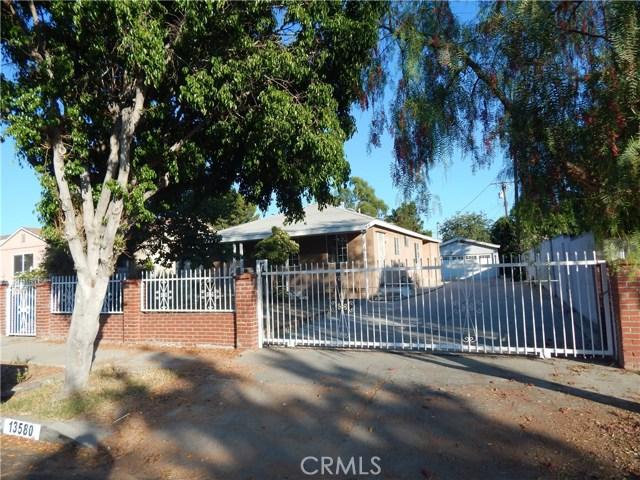 13580 Glamis Street, Arleta, CA 91331