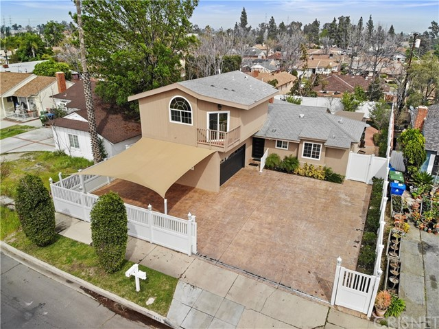 7818 Bellaire Avenue, North Hollywood, CA 91605