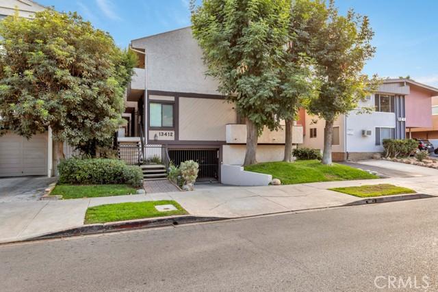 13412 Moorpark Street B, Sherman Oaks, CA 91423