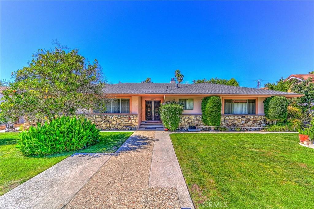 Photo of 9343 WHITE OAK Avenue, Northridge, CA 91325